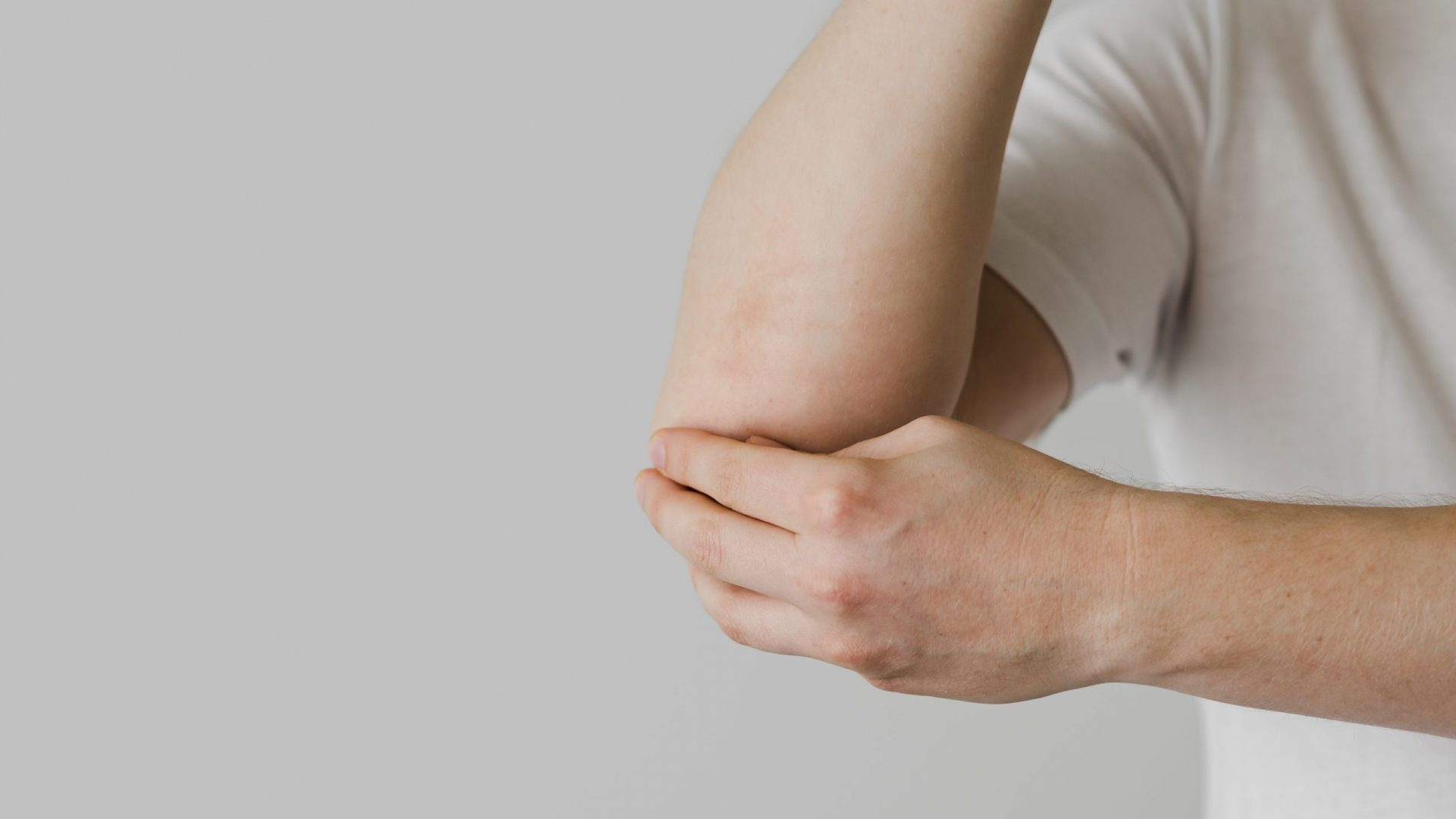 close-up-patient-elbow-issues